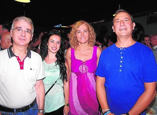Fotos de martes de feria en las casetas Casa de Álora y Factory Feria (CSIF)