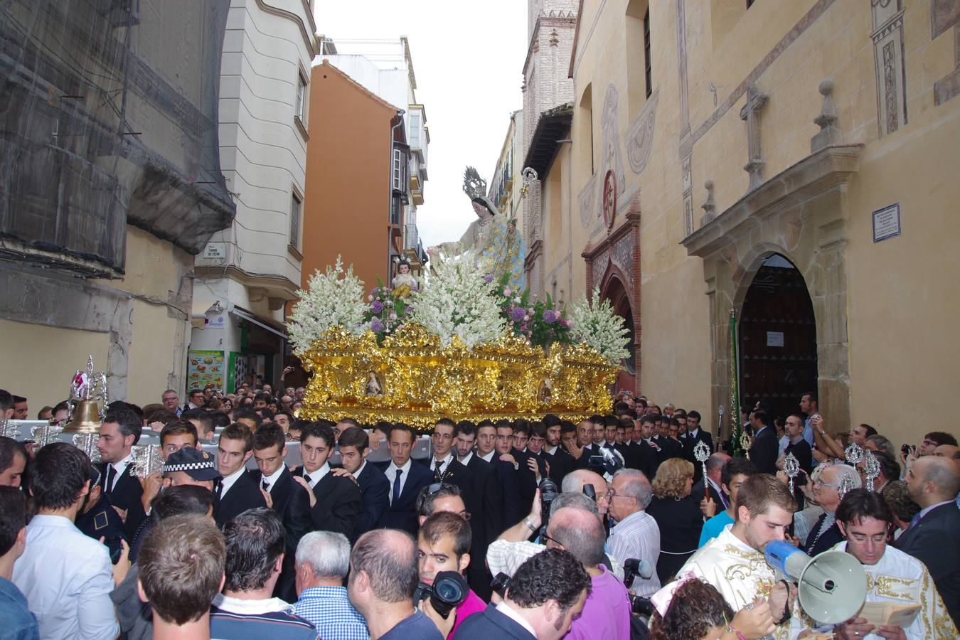 La procesión de la Divina Pastora ha inaugurado los actos del sábado del Mater Dei