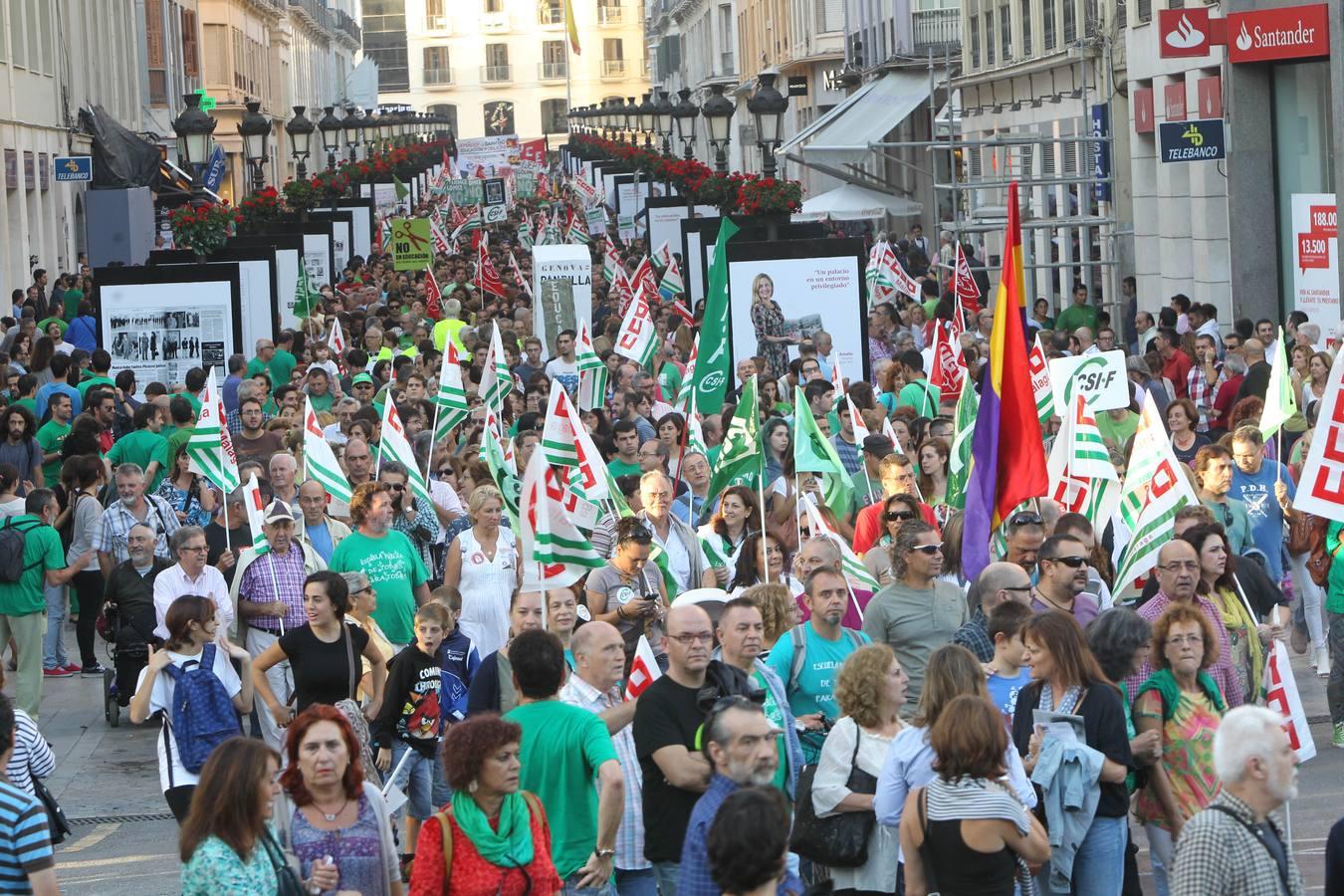 Miles de personas claman contra la ley Wert en Málaga