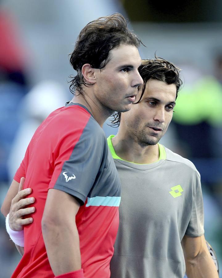 Ferrer se impone en el primer duelo de la temporada a Nadal