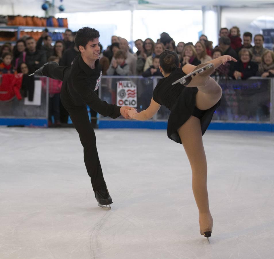 Exhibición de patinaje artístico en El Corte Inglés