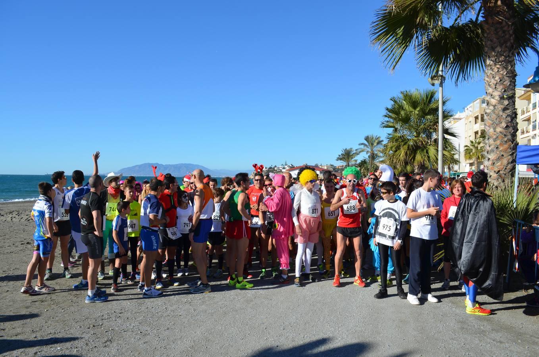 Unas 700 personas participan en la II San Silvestre en Rincón de la Victoria