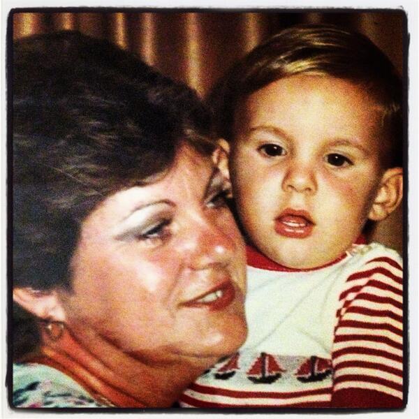 ... Guillermo Parrado @GuillePGuerrero. Muchas felicidades mamá! - 047